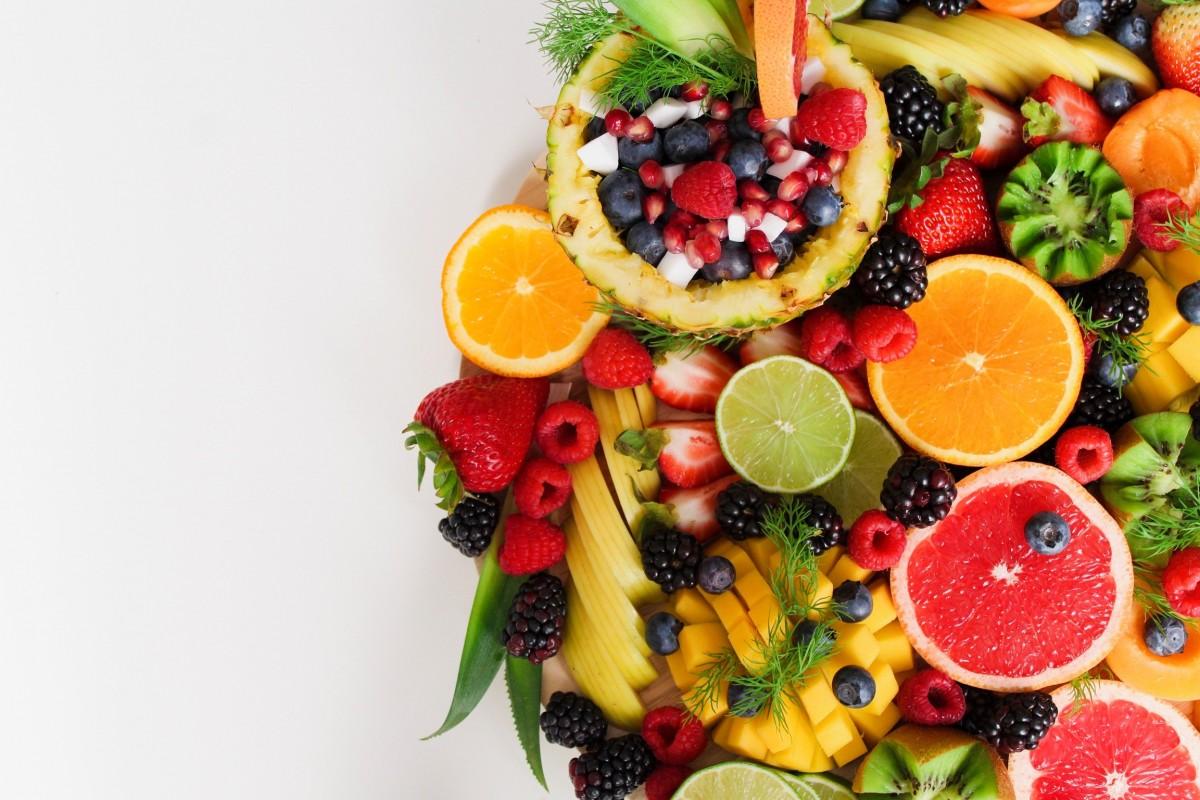 Фруктовое пюре для первого прикорма: с каких фруктов начинать и когда вводить ребенку